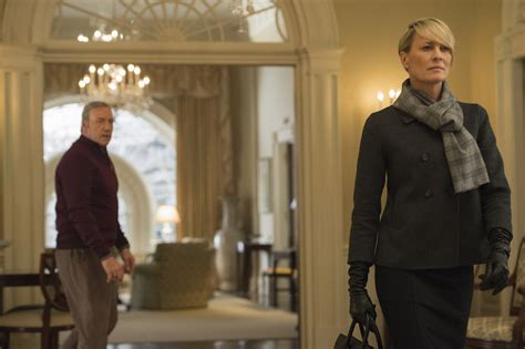 review house of cards season 3 finale episode 13