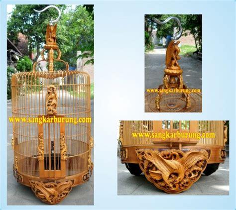 Lambang Burung Garuda Bahan Fiber Ukuran 40 X 46 Cm sangkar ukir anis merah
