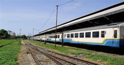 Bo Kereta Tg233 B 4 rangkaian kereta penumpang kelas eksekutif k1 non argo kereta dan gerbong di indonesia