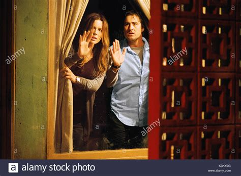 Luke Wilson And Kate Beckinsale Are At Odds by Vacancy 2007 Stock Photos Vacancy 2007 Stock Images Alamy