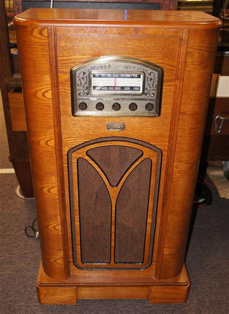 Vintage Floor Radio by Vintage Reproduction 1944 Collectors Edition Floor