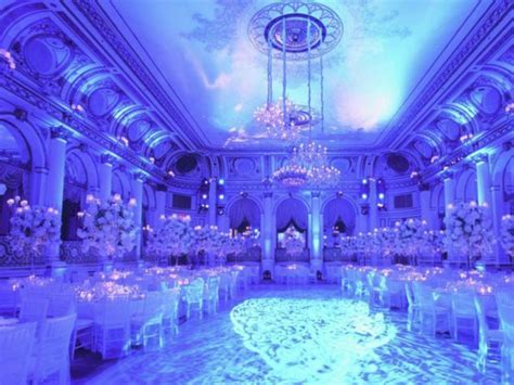 37 Spectacular Winter Wonderland Wedding Decoration Ideas