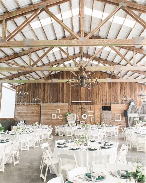 One of my favorite Snohomish wedding venues! Green gates