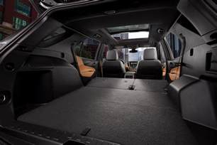 Chevrolet Equinox Seating Chevy Plays It Safe With The 2018 Equinox Crossover