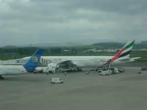 emirates glasgow to dubai emirates to dubai 169 stanley howe geograph britain and