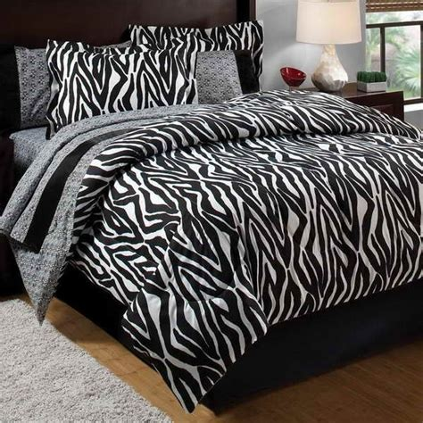 Pink And Black Bedding For Adults by Best 25 Zebra Bedroom Decorations Ideas On