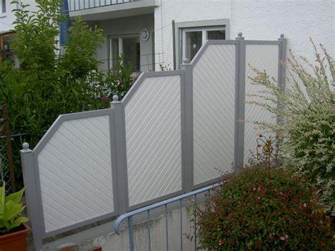 haustür aus kunststoff oder aluminium windschutz und sichtschutz