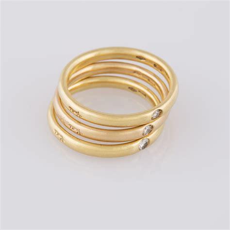 lucciole di pomellato pomellato modello lucciole tre anelli in oro giallo e