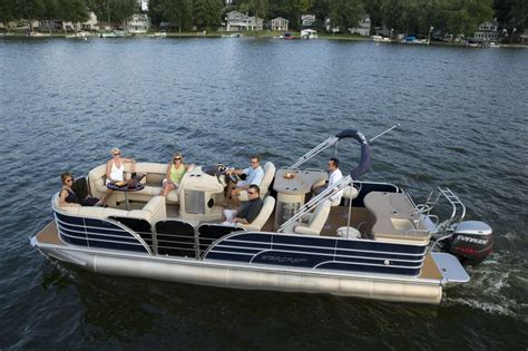 port side of boat is what color port side of a 2014 starcraft majestic 256 starliner