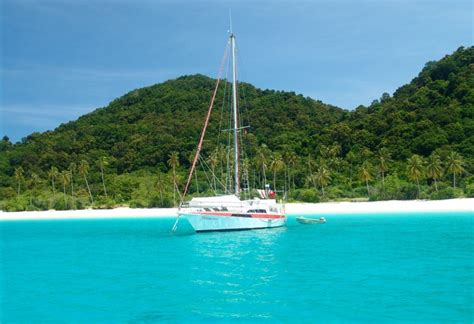 yacht langkawi 3d2n langkawi luxury yacht cruising tour package