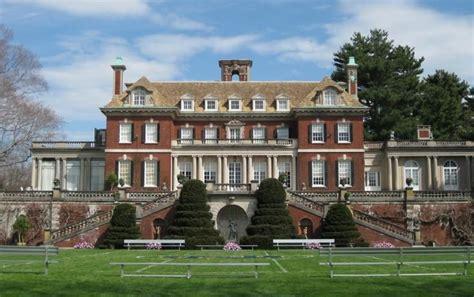 gatsby mansion pin by tiffany medford on gatsby glam gardens pinterest