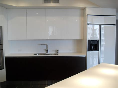 high gloss white wood kitchen modern kitchen