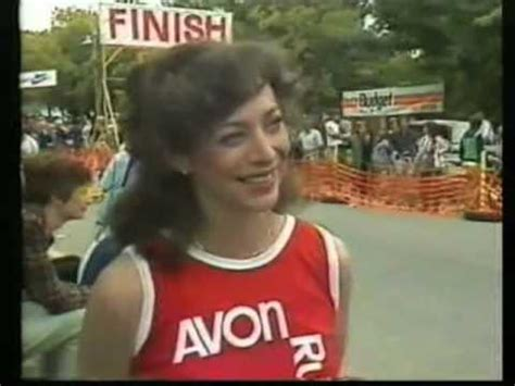 Terlaris Switer I Like kathrine switzer at the 1983 canberra marathon
