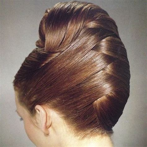 feminine hairstyles worn by men 21 feminine ways to wear the french twist this fall