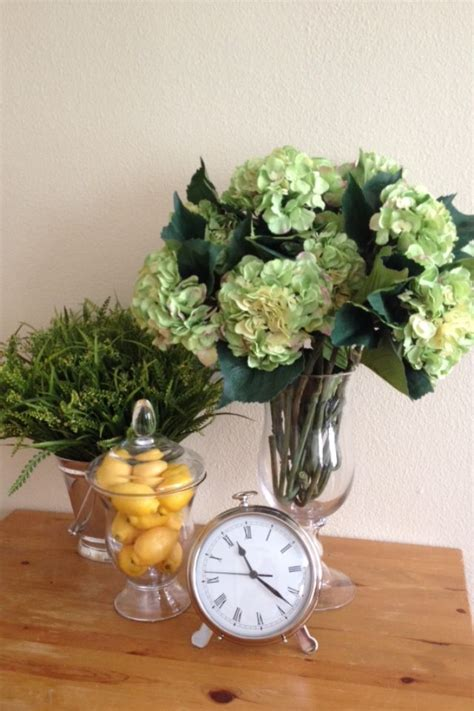 decoration for appartment vases from pottery barn