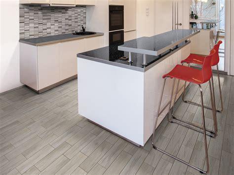 pavimento in ceramica effetto legno pavimenti ceramica finto legno