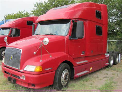 770 volvo trucks 2003 volvo vnl 770 semi truck item 3092 sold