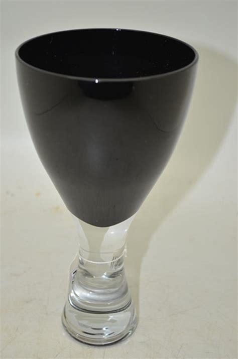 Optical Illusion Vase by Glasses Stemware Optical Illusion