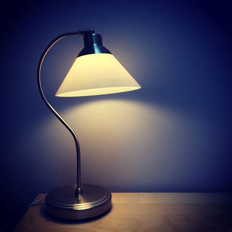 What Causes Lights To Flicker by 3 Reasons The Lights Flicker In One Room Of Your House