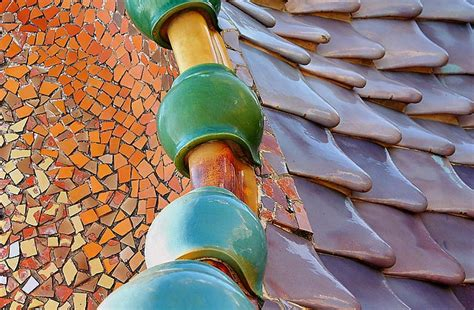 gaudi an introduction to modernisme an introduction to catalan art nouveau free walking tours barcelona runner bean