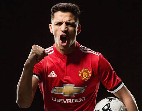 alexis sanchez news alexis sanchez first official photos of new manchester