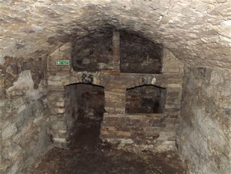 underground vaults historical walking tour underground vaults historical walking tour in edinburgh 2017