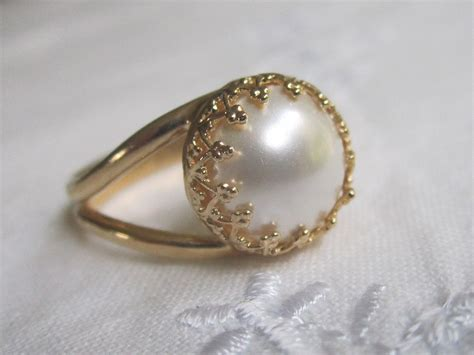 white pearl in gold ring gold ring bridal ring 10mm pearl
