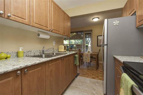 hamilton apartment picture file 3 of 15 rentboard ca ad
