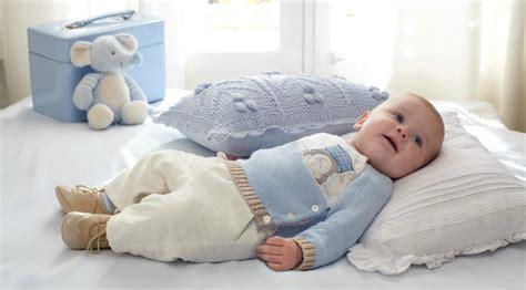imagenes de sintillos para recien nacidos tejidos a crochet c 243 mo vestir al beb 233 en invierno