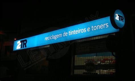 Lu Miniso reclamo luminoso em tela 2 pictures