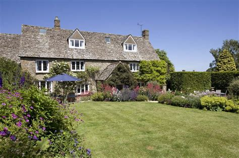 cottage hire cotswolds bed and breakfast self catering cottage in the cotswolds