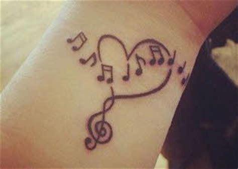 imagenes tatuajes en la muñeca para mujeres imagenes de tatuajes para mujeres muneca tatuajes para