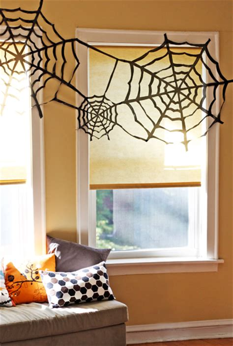 11 easy diy halloween decorations with trash bags 11 easy diy halloween decorations with trash bags