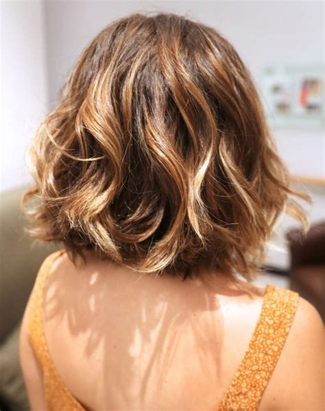back view wavy short bob for thick hair 2015 medium bob front and back views short hairstyle 2013