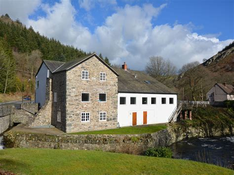5 bedroom cottage in llangollen dog friendly cottage in