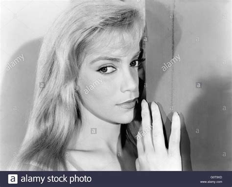 gerard blain estella blain estella blain women disappear 1959 directed by edouard