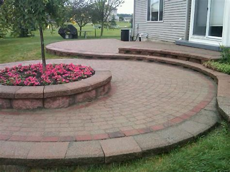 diy raised paver patio 37 best images about patios walls pavers on