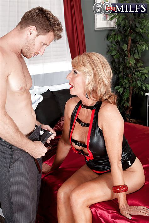 hot Blonde Granny Phoenix Skye Loosing big tits From Leather Outfit Before sex