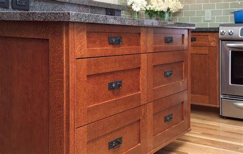 Kitchen Cabinet Pulls by Oak Kitchen Cabinet Knobs Shaker Kitchen Cabinet Knobs