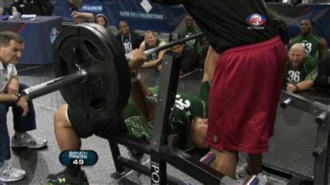 bench press nfl record paea sets bench press record nfl videos