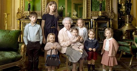 Queen Elizabeth Purse by Queen Elizabeth Ii Poses With Grandkids For 90th Birthday