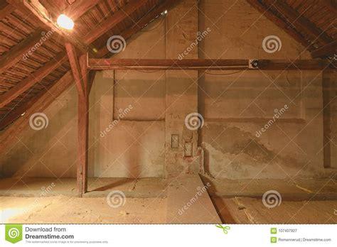 isolante termico soffitto isolamento termico soffitto gallery of isolante per tetto