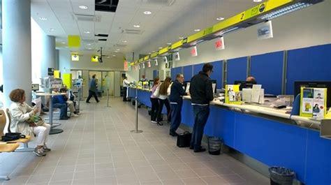uffici postali trieste poste italiane wifi gratuito in quattro uffici postali a