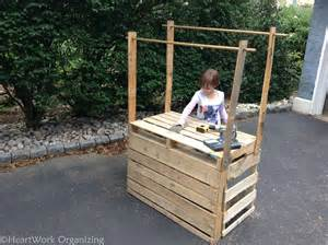Plans For Making A Wood Bench by How To Build A Lemonade Stand From Pallets Heartworkorg Com