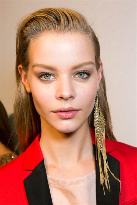 hairstyles for straight oily hair greasy hairstyles and hairdos how to style greasy hair