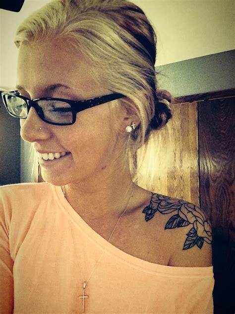 Shoo And Shoulders best 25 shoulder tattoos ideas on