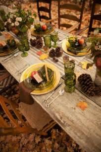 gläser auf dem tisch tafeln im herbst festlich dekorieren 40 ideen f 252 r tischdeko