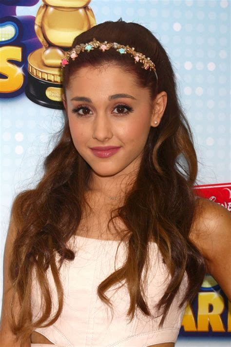 how to do ariana grande hairstyles half up half down