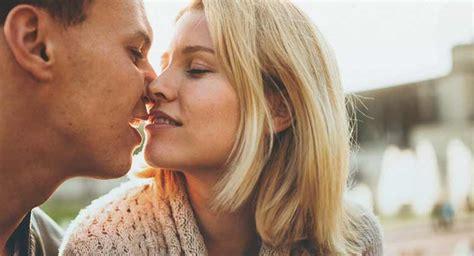 can you get chlamydia from a bathtub alasan kenapa kamu harus sering ciuman dengan pasanganmu