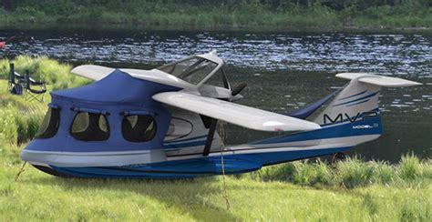 small boat plane it s a boat a plane a cer